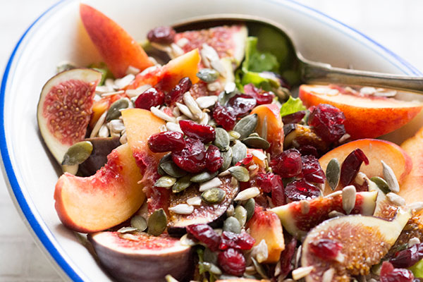 Opskrift på salat med friske figener abrikoser
