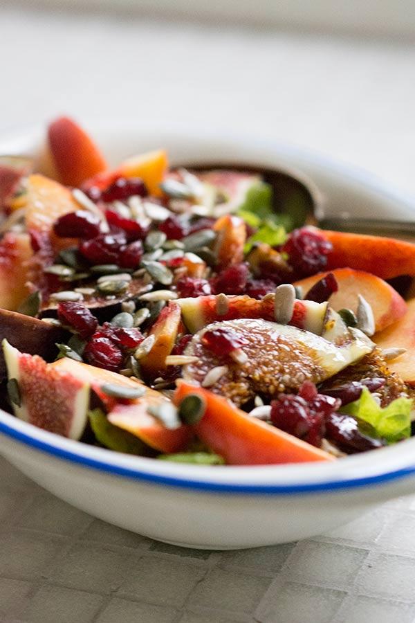 Salat med figen abrikos solsikke