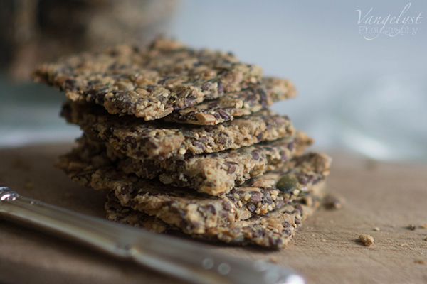 Opskrift på stenalder knækbrød // Recipe for paleo crisp bread