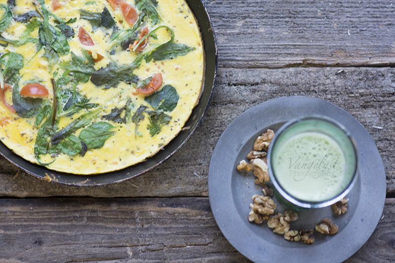 grøn vitamin juice æggekage - www.vangelyst.dk