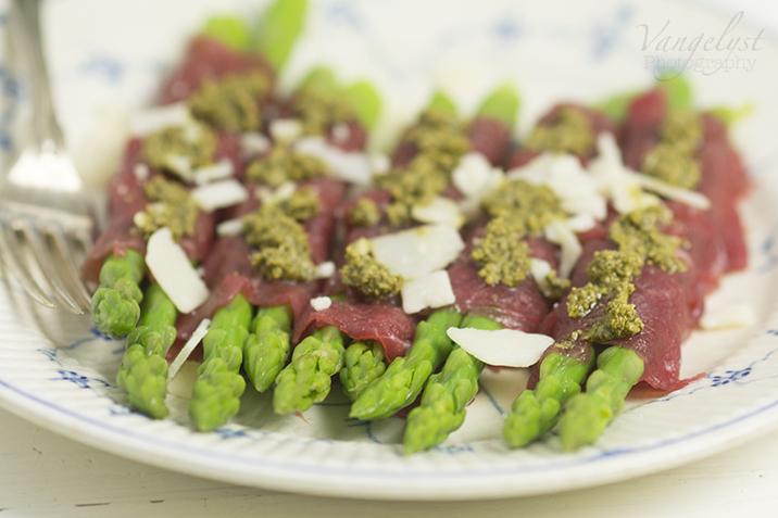 paleo forret carpaccio oksefilet asparges pesto
