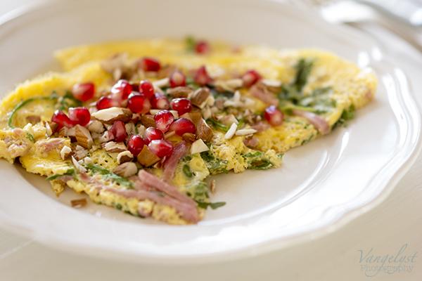 paleo omelet granatæble skinke
