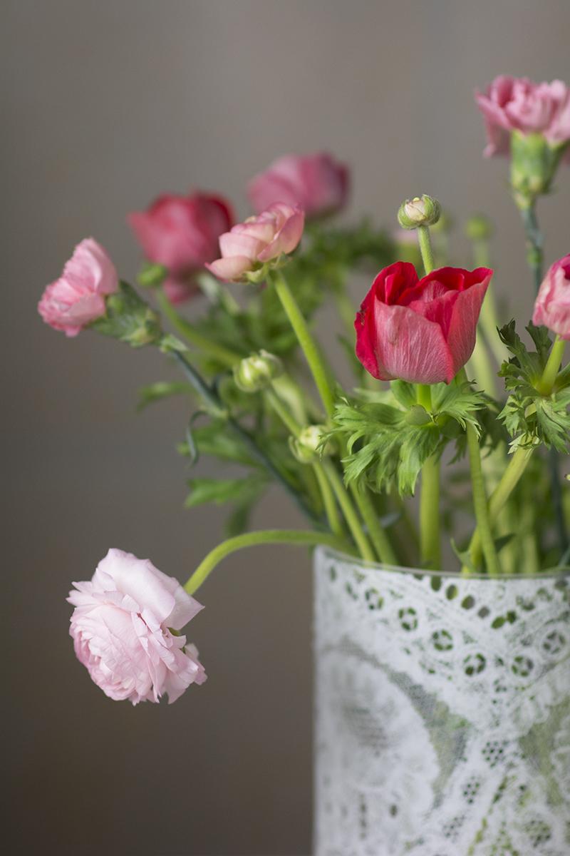 ranunkler franske anemoner vase