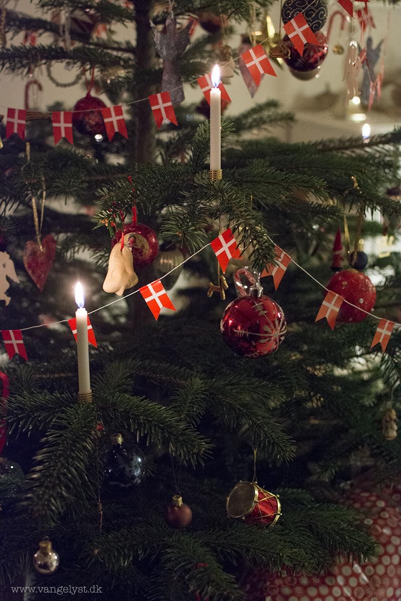 Juletræ med levende lys - www.vangelyst.dk