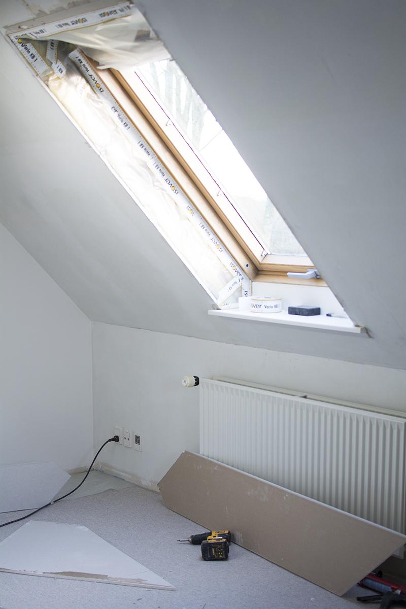 Renovering af soveværelse - tapetrøver fra Borås Tapeter | www.vangelyst.dk