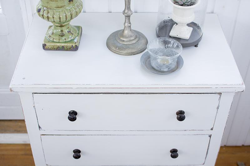 Hvidmalede møbler shabby chic - www.vangelyst.dk