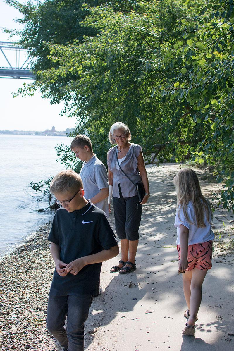 På stranden ved Middelfart - www.vangelyst.dk