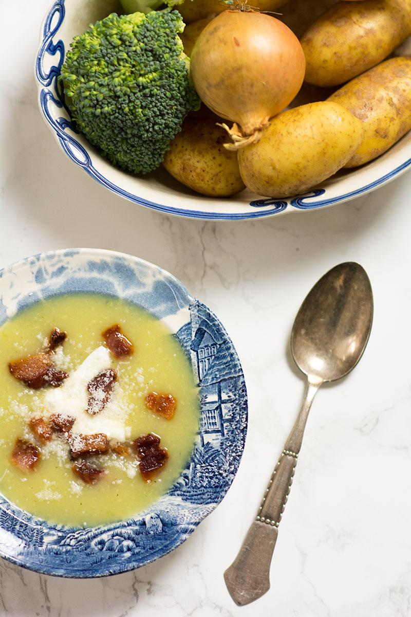 Opskrift på broccoli suppe - www.vangelyst.dk