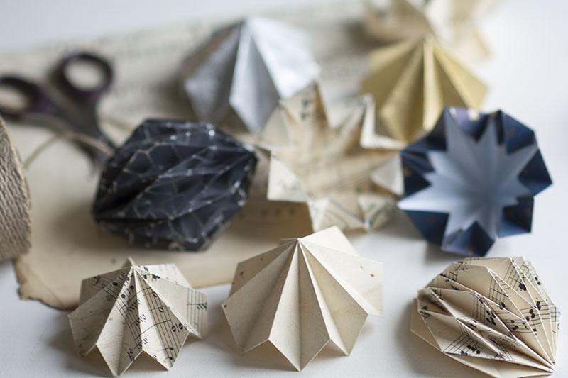 Foldede papirdiamanter - www.vangelyst.dk