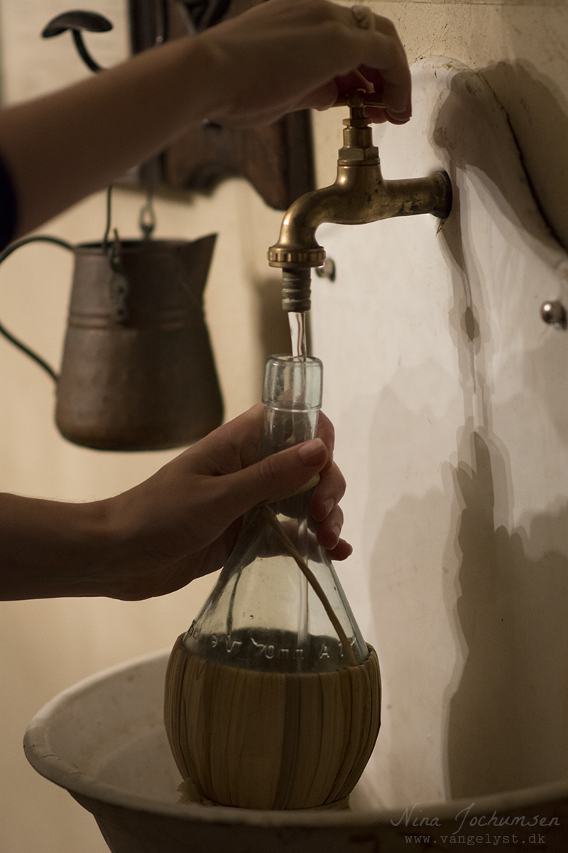 Ta' selv vand på La Prosciutteria Rom Italien - www.vangelyst.dk