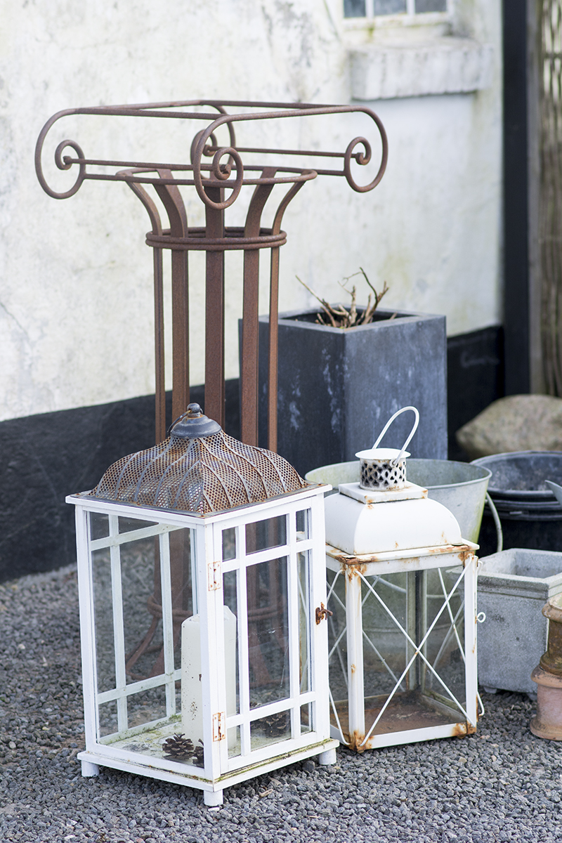 Loppefund lanterner jernstativ - www.vangelyst.dk