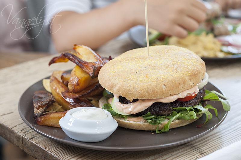 Fajancen cafe burger - www.vangelyst.dk