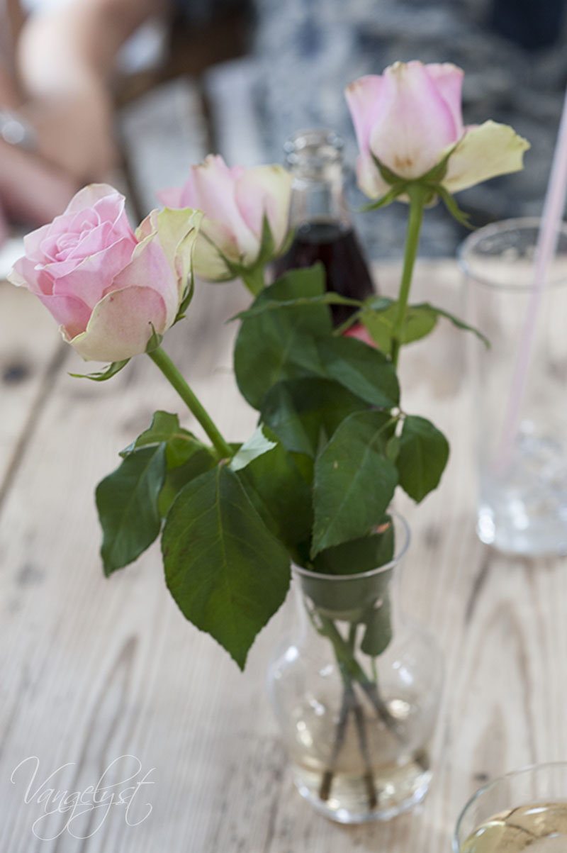 Fajancen cafe roser - www.vangelyst.dk