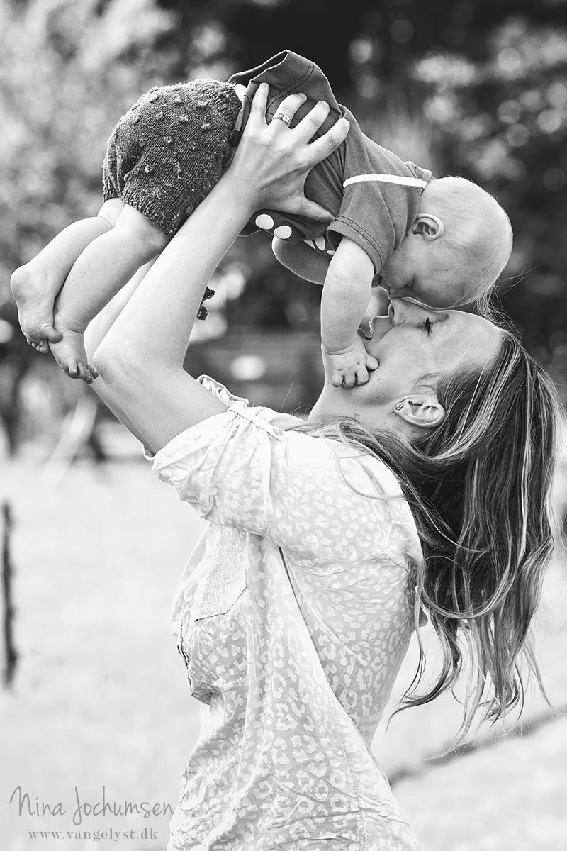 Mor og barn fotografering - www.vangelyst.dk