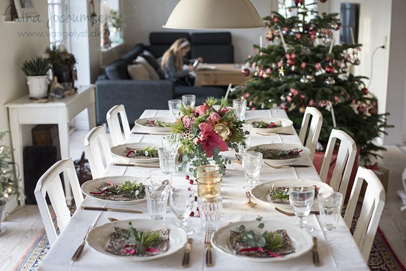 Årets lyserøde julebord - www.vangelyst.dk