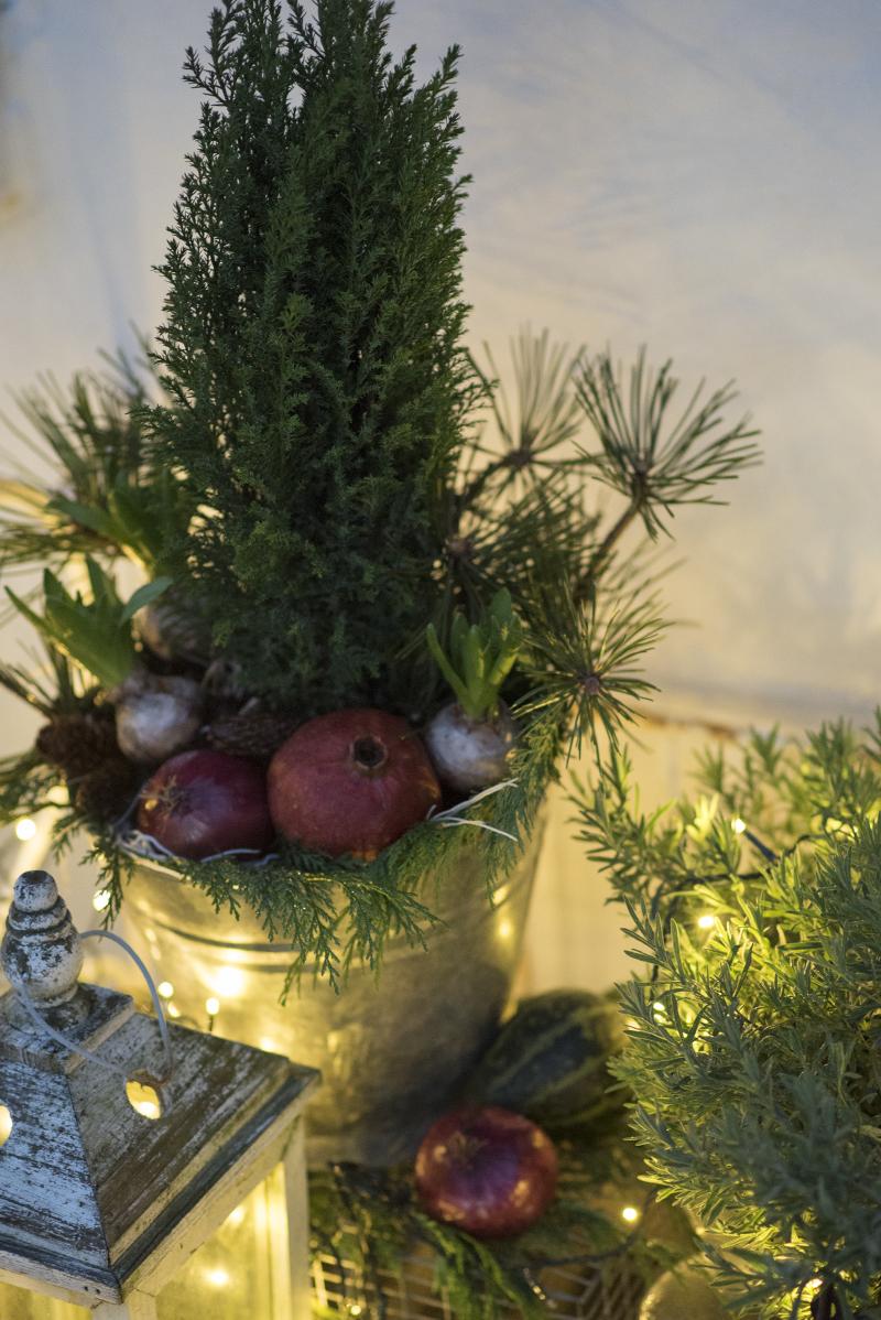 Udendørs juledekoration naturmaterialer - www.vangelyst.dk