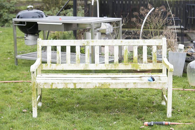 Rengøring af havemøbler - www.vangelyst.dk